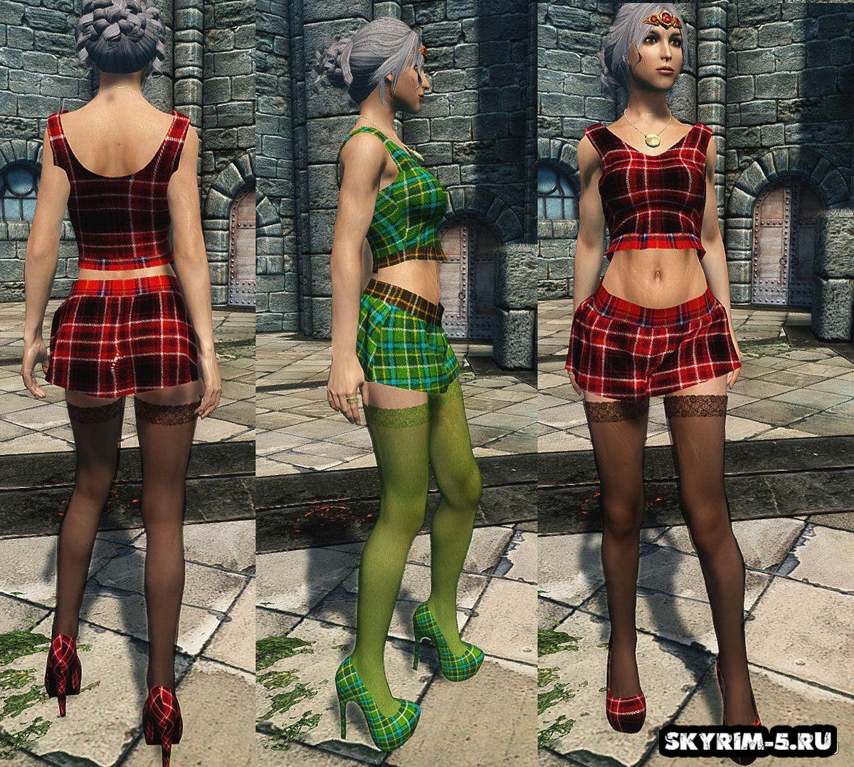 Необычное женское одеяние и каблуки - UNP -